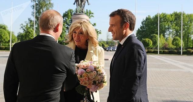 Macron-Poutine : entre rapprochement et tensions sur Orange Actualités